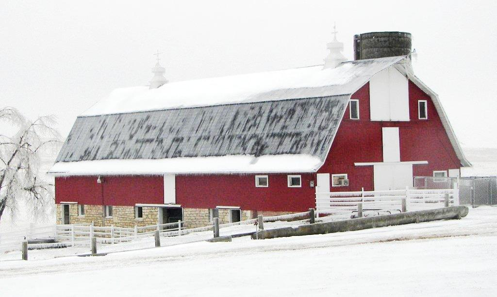 Winter Barn Photo